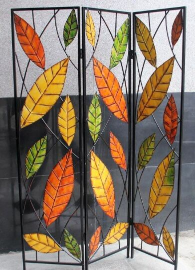 Lifelike leaves decorative folding wrought iron screen