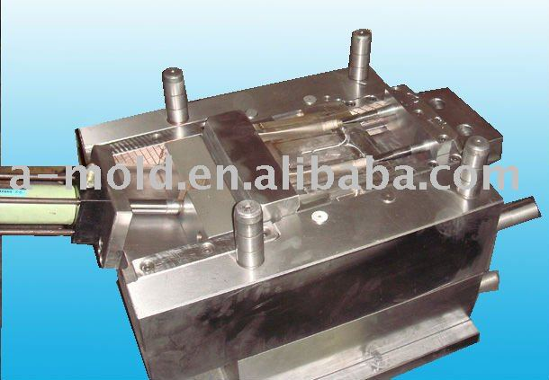 injection mold polycarbonate