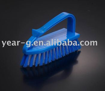 cleaner-plastic cleanning brush