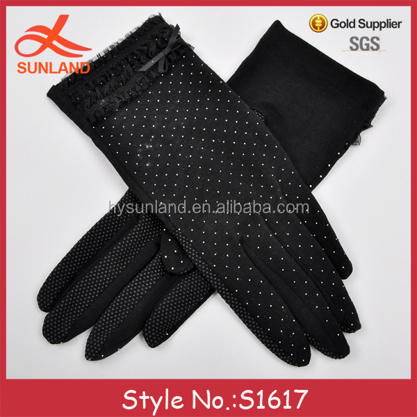 S1617 fashion summer sun protection thin cotton ponit dotted black short lace gloves with bowknot