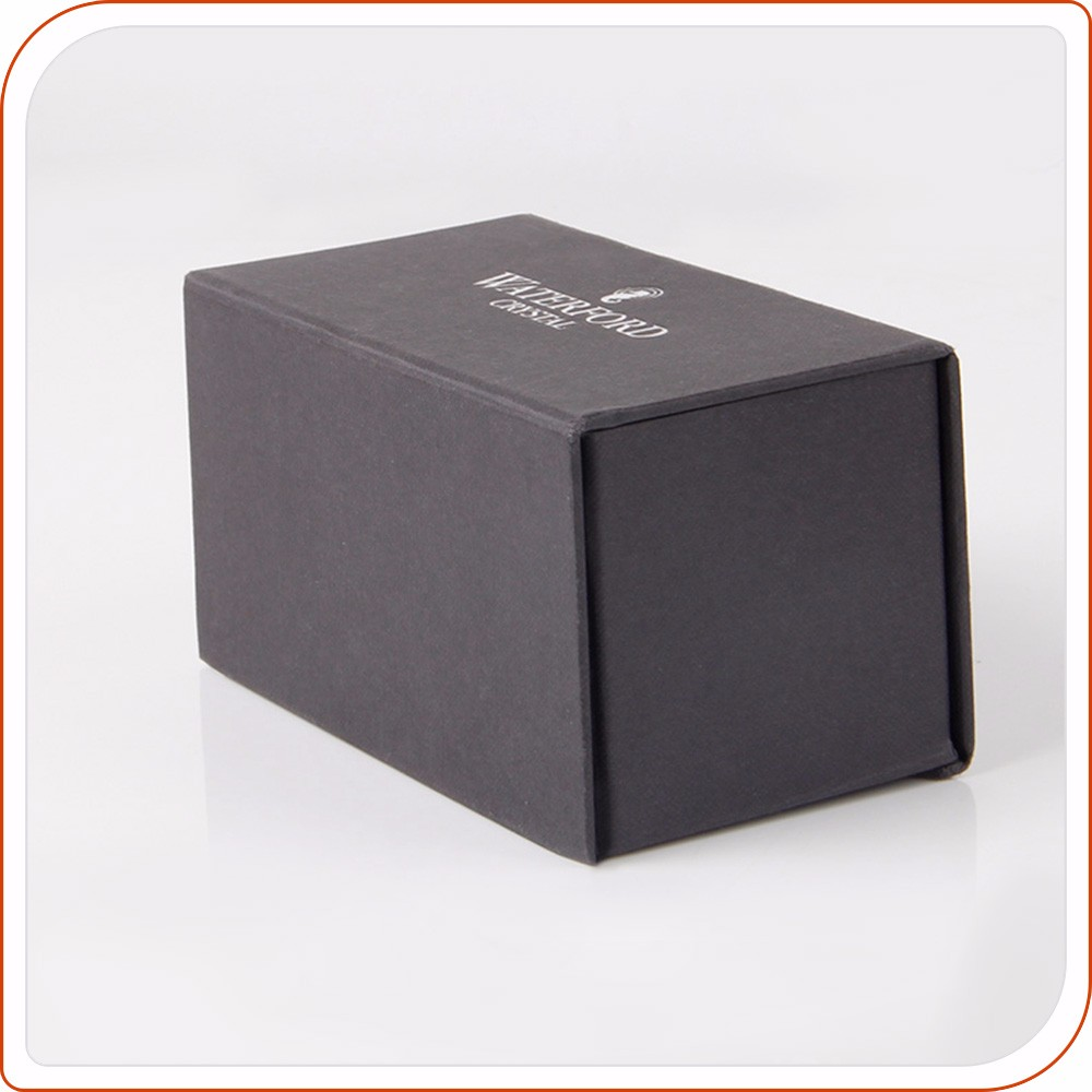 black cardboard with magnet close gift paper box