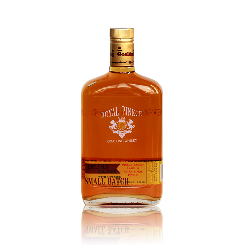 High blended whisky liquor with good flavor and competitive price