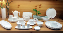 Wholesale wave edge white color porcelain dinnerware set with western style