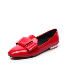 China wholesale with bowknot patent leather pictures of women flat shoes