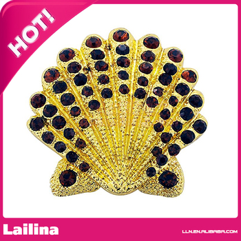 Mocca Crystal Scallop Shell Brooch Pin In Gold Plated