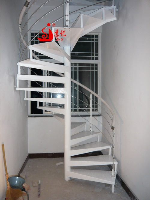 Indoor/Outdoor iron spiral stair