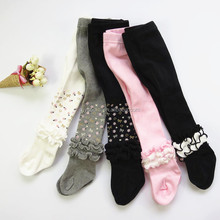 Childrens girls leggings with dots and ruffle wholesale