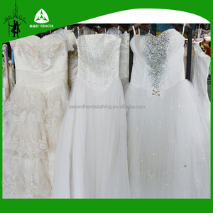 Second hand clothes for sale in Dubai African style of fancy wedding dress
