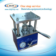 Li-ion coin cell crimping machine with lighter and smaller size