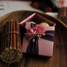 Paper gift box packaging, small display boxes, chocolate gift boxes dubai with coloured dividers