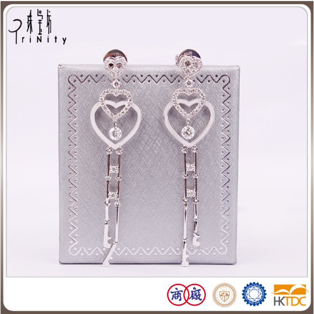 2-years repair promise diamond earring design