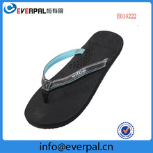 ladies flip flop manufacturing leather chappals