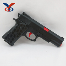 2017 Small plastic toy gun with crystal bullets