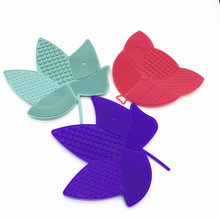 New design portable silicone makeup brush cleaning mat makeup brush cleaner silicone set