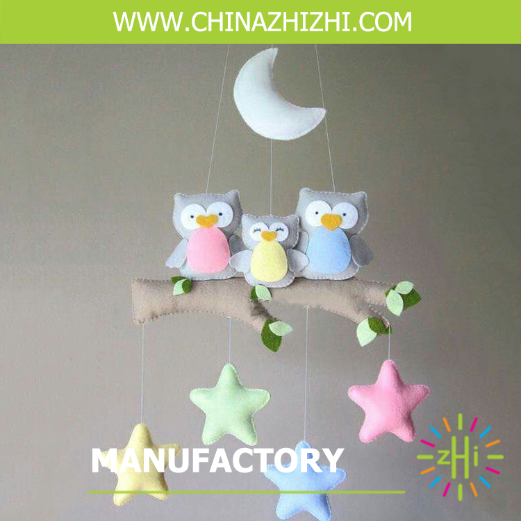 china factory price felt baby rattle baby mobile with owl family