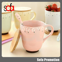2015 popular ceramic cup mug wooden cover milk cup