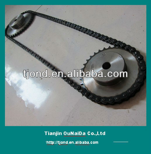 Sprocket wheel and chain for engine