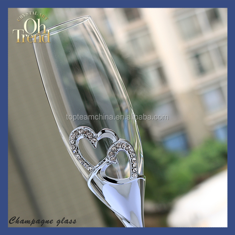 Wholesale hand made colored plastic champagne glasses with transparent crystal for wendding