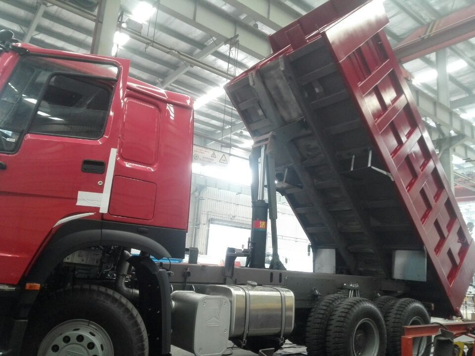 SHANDONG CHINA 6X4 TIPPER diesel endine hot selling these days