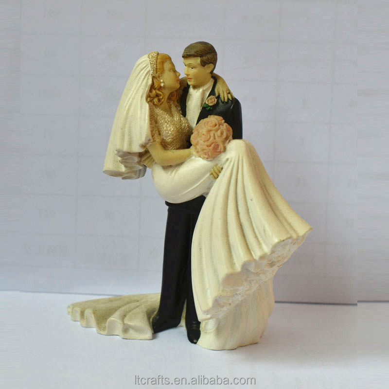polyresin wedding couple figurine