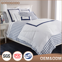 China Supply Original Design Luxury Super King Size Comfortable 100% Cotton 4Pcs Grid Hotel Bedding Set