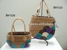 straw beach bags with embroidery