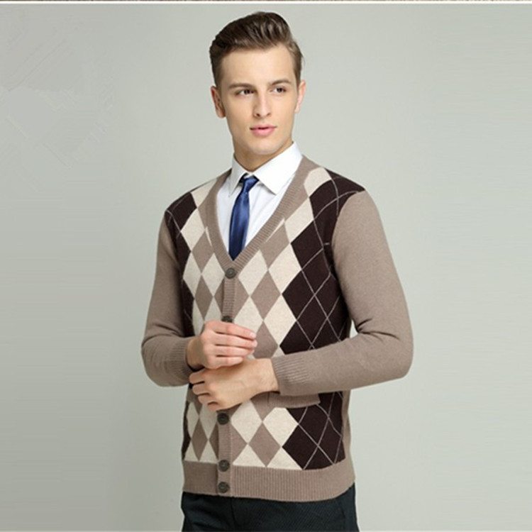 2017 winter classic design men V neck argyle intarsia cashmere knitted cardigan sweater