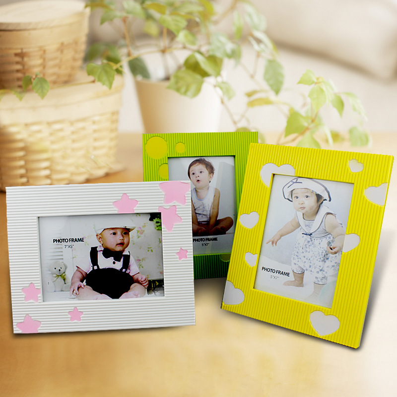 Manufacturer hot selling souvenirs large acrylic cube innovative design photo frame