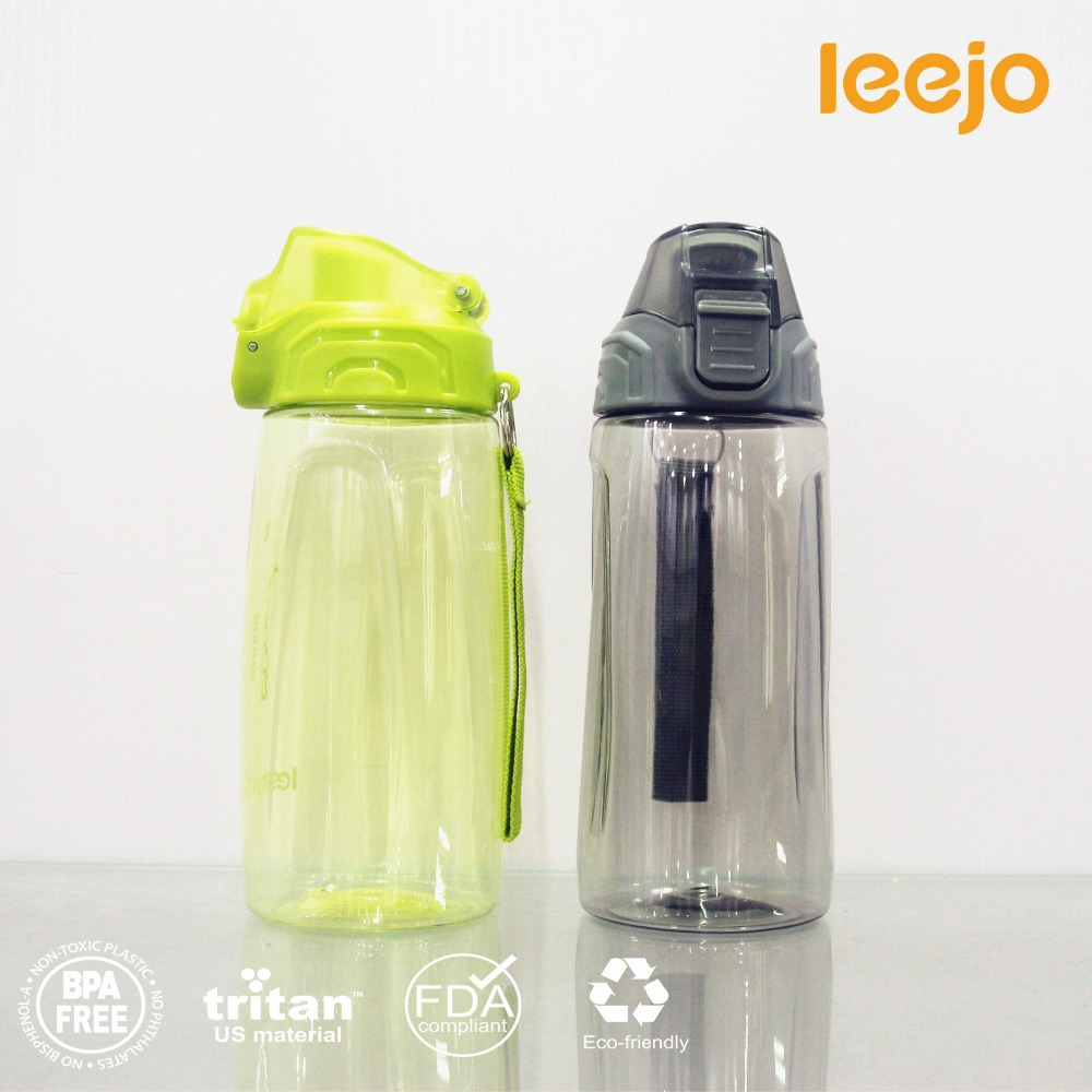 FDA applicant 600 ml 700 ml 850 ml sports plastic drink water bottle with push pull top lid