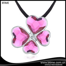 Luxury clover shaped pendant necklace crystals from swarovski