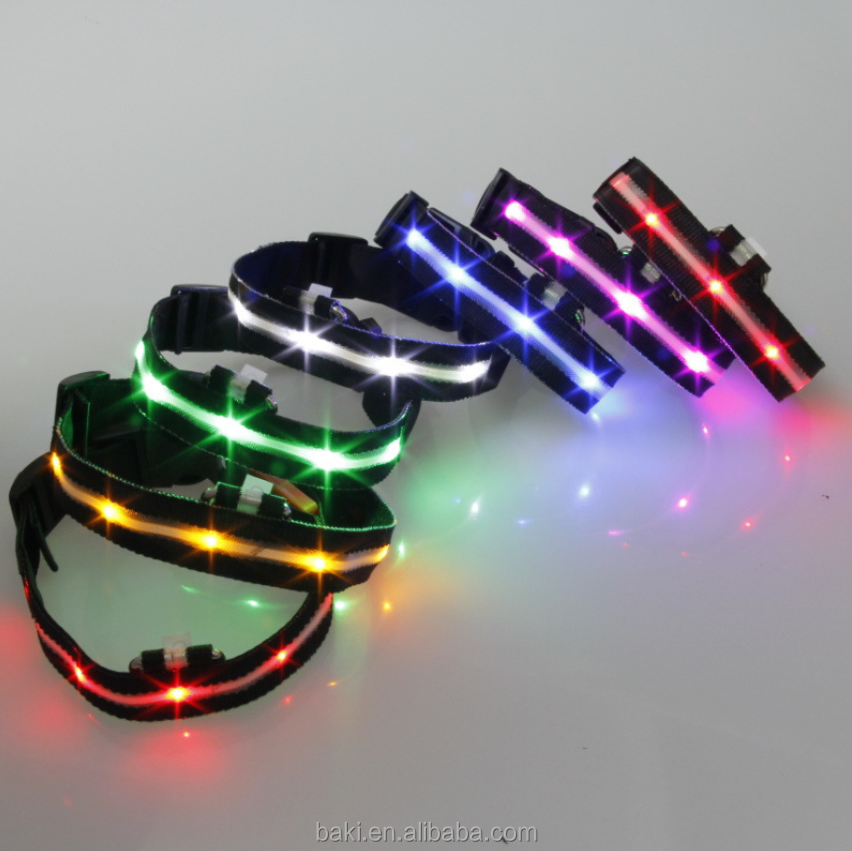 LED Nylon Pet Dog Cat Collar Light-up Flashing Glow in the Dark Lighted LED Pet Collar