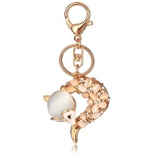 Luxury wholesale gold plating metal keychain crystal beaded animal keychain