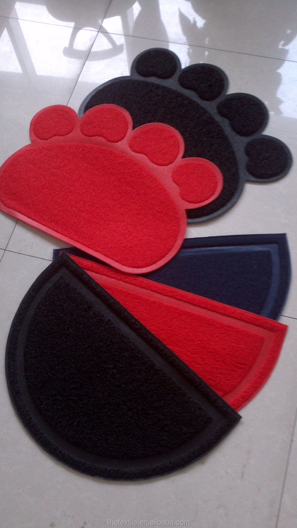Cat Litter Mat Non-slip Pet Paw Shape PVC coil Mat
