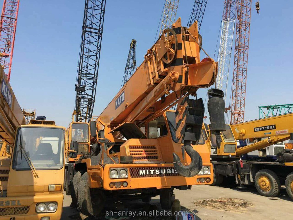 Hot and cheap 30 ton used Kato NK-300E-III truck mounted crane, 30 ton mobile crane, tyre crane for sale