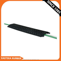 China Factory Wholesale Black PU Plastic Cable Ramp 2 Channel