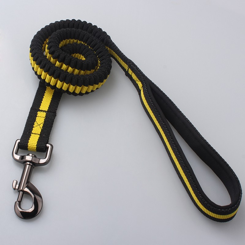 OEM design highly elastic and flexibility retractable dog leashes with strong metal buckle