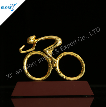 Golden Metal Trophy Maker Bike Bicycle Trophy With Wooden Base