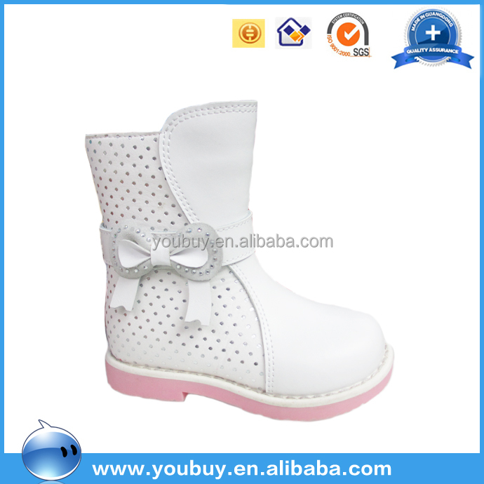 Guangzhou wholesale loverly white snow boots children winter boots leather