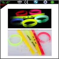 China supplies glow in the dark sticks material for christmas giveaways gifts