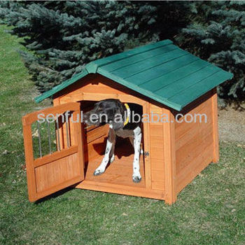 Wooden dog kennel with lockable door