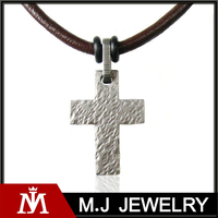 Fashion Stainless Steel Cross Necklace Pendant Magnetic Leather Clasp