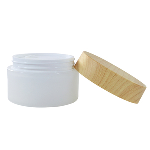 Wholesale 5g 15g 30g 50g 100g cosmetic container plastic jar with bamboo lids