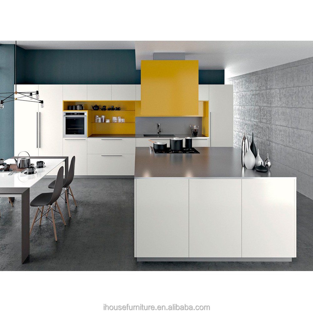 Guangzhou Kitchen Manufacturer Made Modulated Kitchen Cabinets High Gloss Lacquer MDF Door