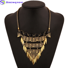 Statement Jewelry Gold And Sliver Chain Black Natural Stone Plated With Triangle Shaped Leaf Pendants Necklace