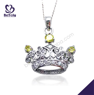 Vintage style crown yellow zircon silver magatama pendant