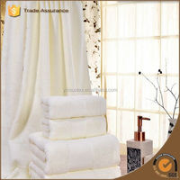 promotional low price cotton bath towel for hotel use