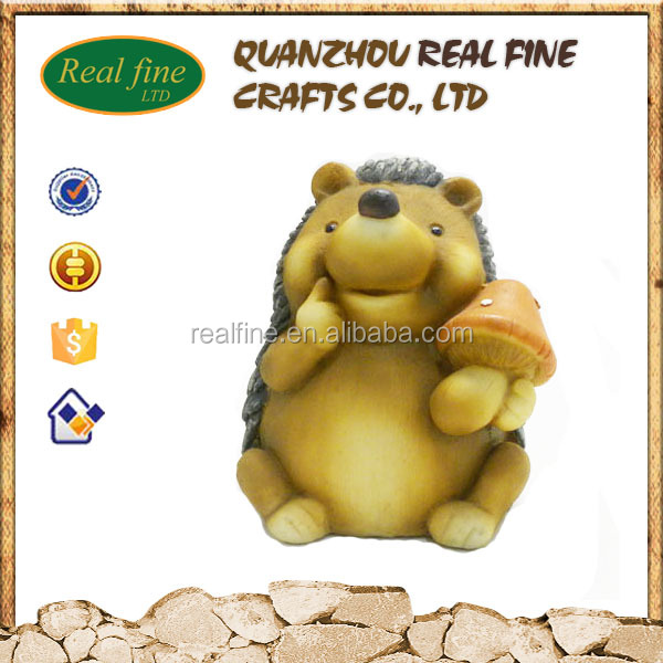 Wholesale custom resin crafts animal hedgehog statue for garden or home decorations