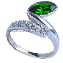 good quality crystal glued silver color fashion unique tungsten titanium alloy ring