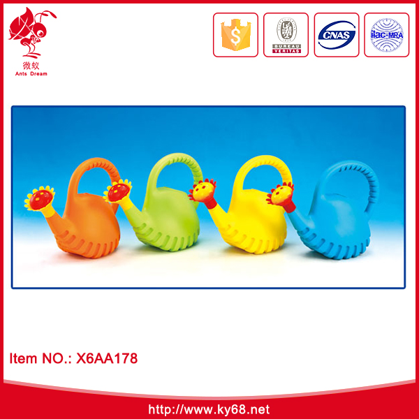 Hot selling plastic kids beach watering cans toy for promotion