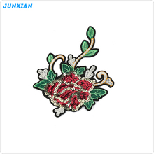 Factory supply oem design sequin embroidery flower patchfor garment